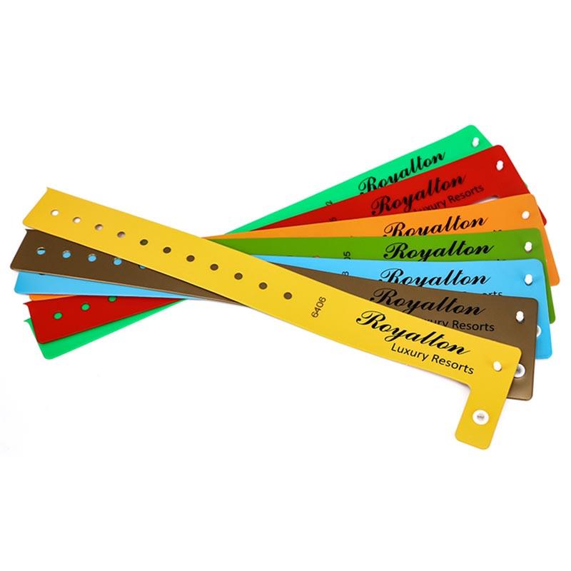 Custom Ntag213 PVC wristband