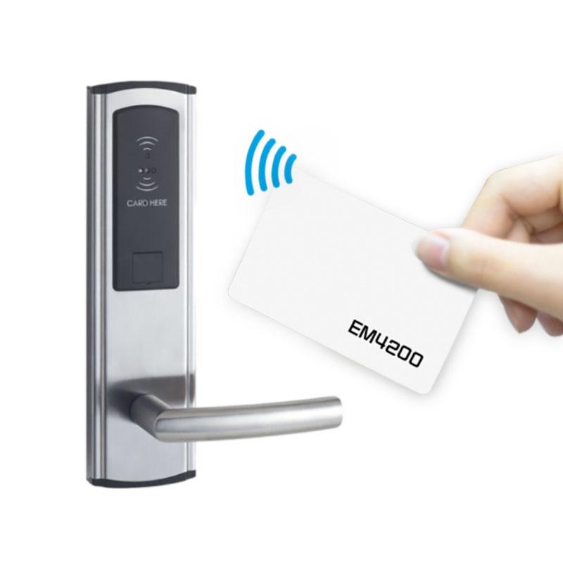 em4200チップを搭載したRFIDアクセスカード